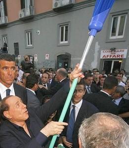 Berlusconi, scopatore azzurro