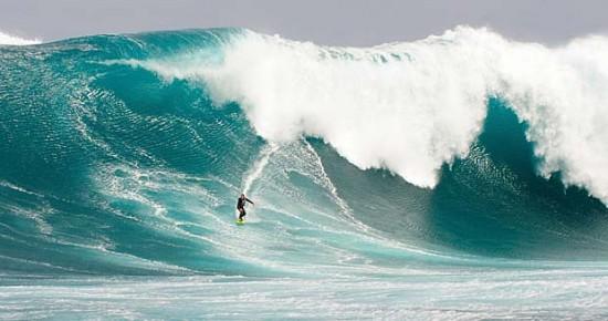 Surf su onda oceanica
